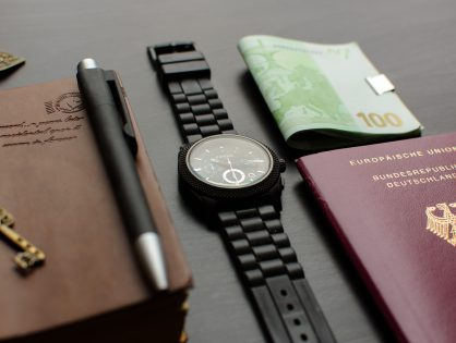 Tips & Hacks to Save Money While Traveling