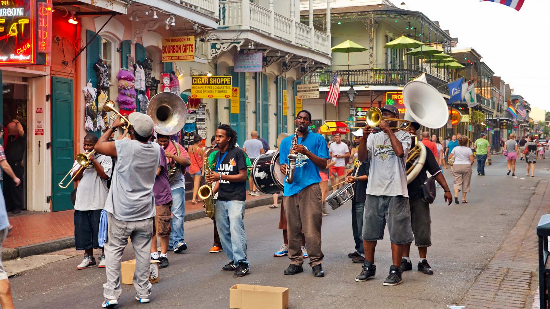 Bourbon Street in New Orleans Is One Of 5 Places Your Mom Would Love