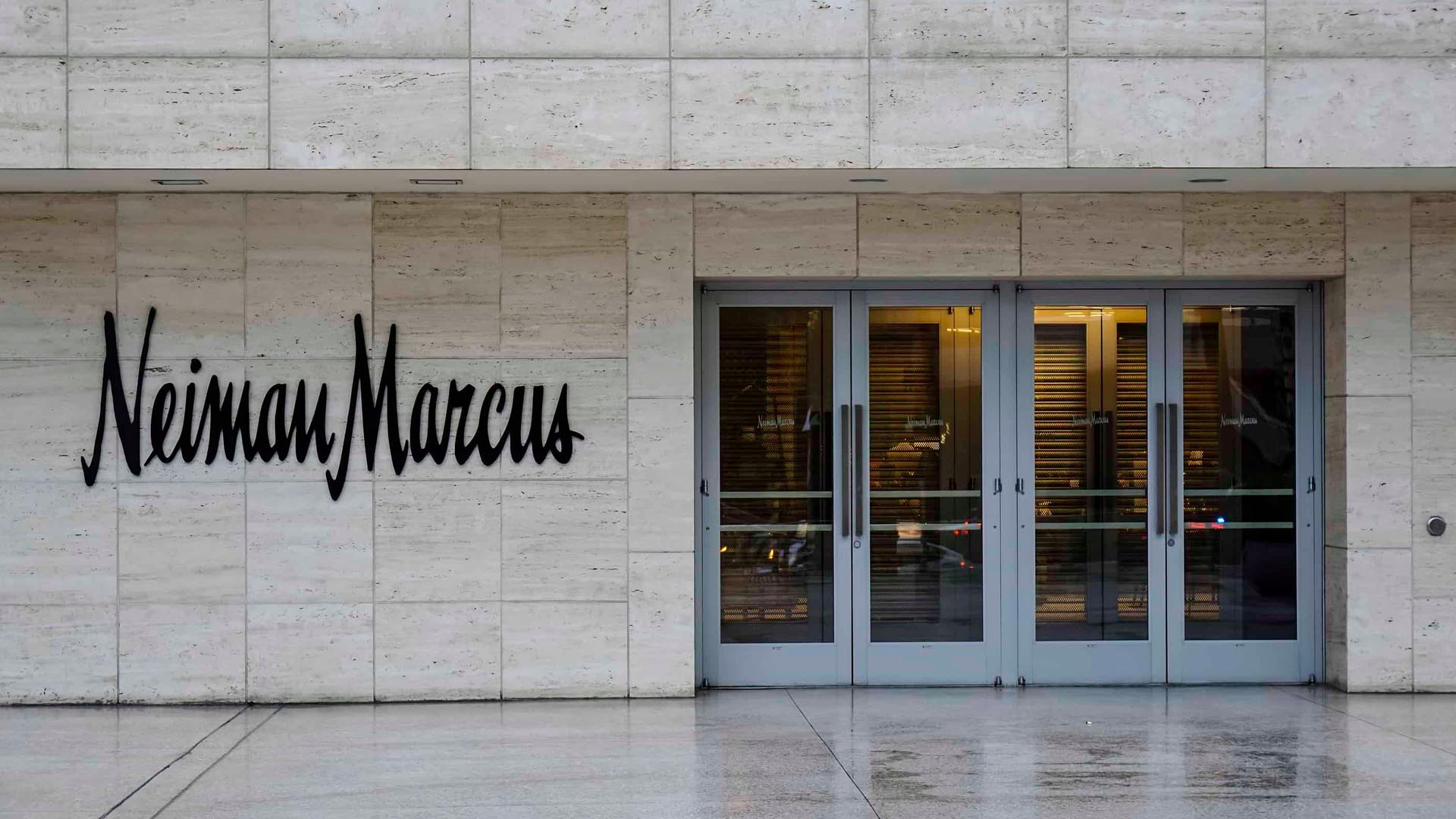 Neiman Marcus Has Stylish Summer Outfits