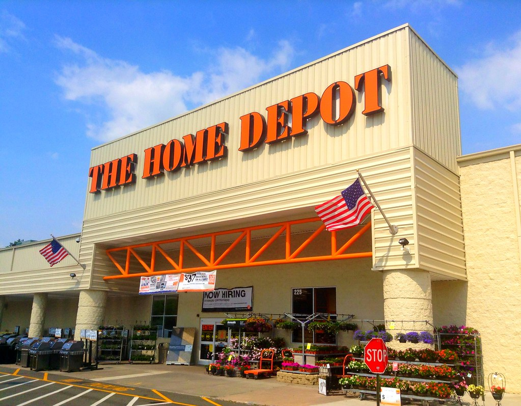 home-depot-black-friday-store