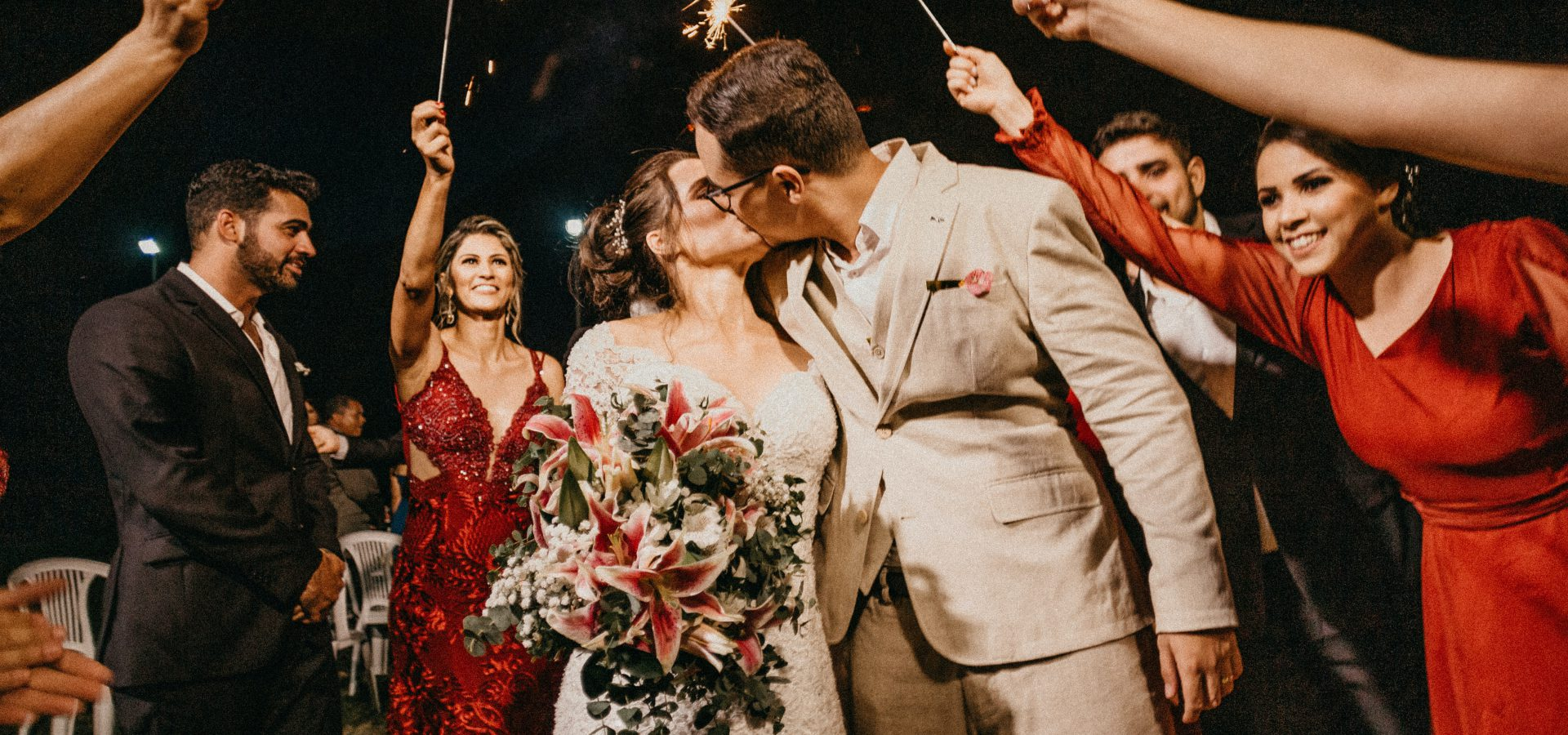 5 Tips To Save Money On Your Wedding