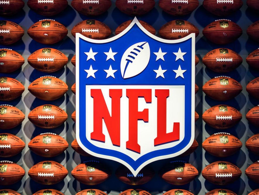 Enjoy NFL Sunday Ticket With Cash Back